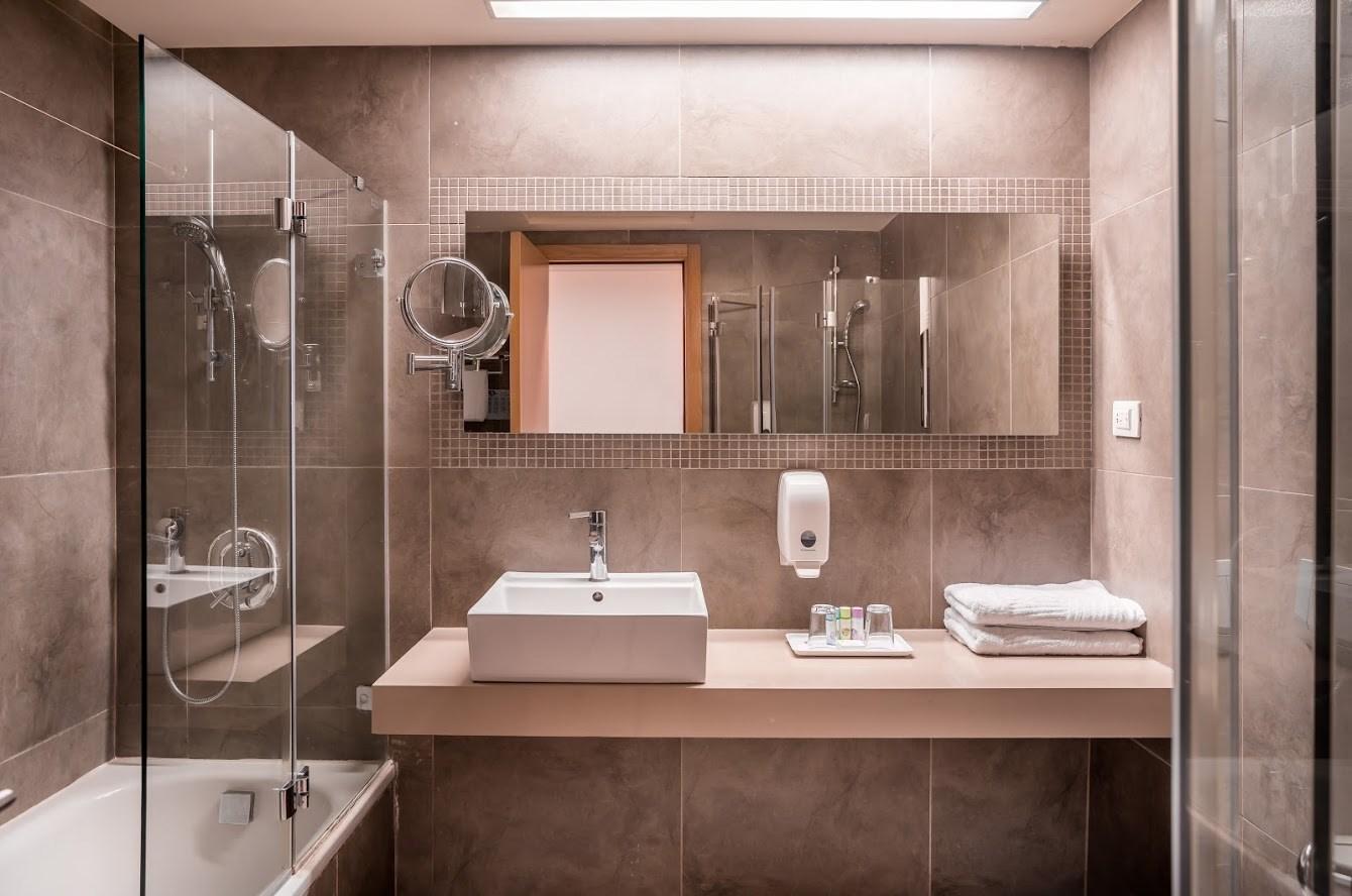 חדר עדן- חדר שירותים